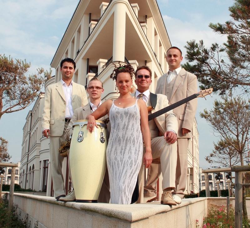 Latin Jazz Band IPANEMA Yachthafen Haus quadrat 470 kb